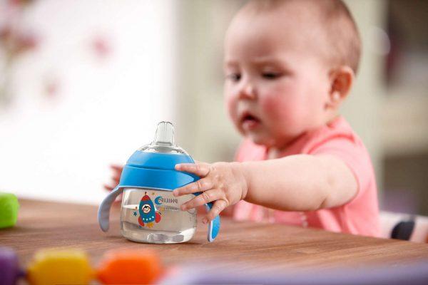 Hydrater votre bébé en été