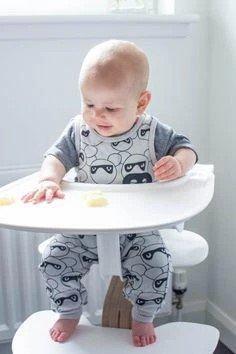 Bébé n'arrive pas à attraper les aliments en DME